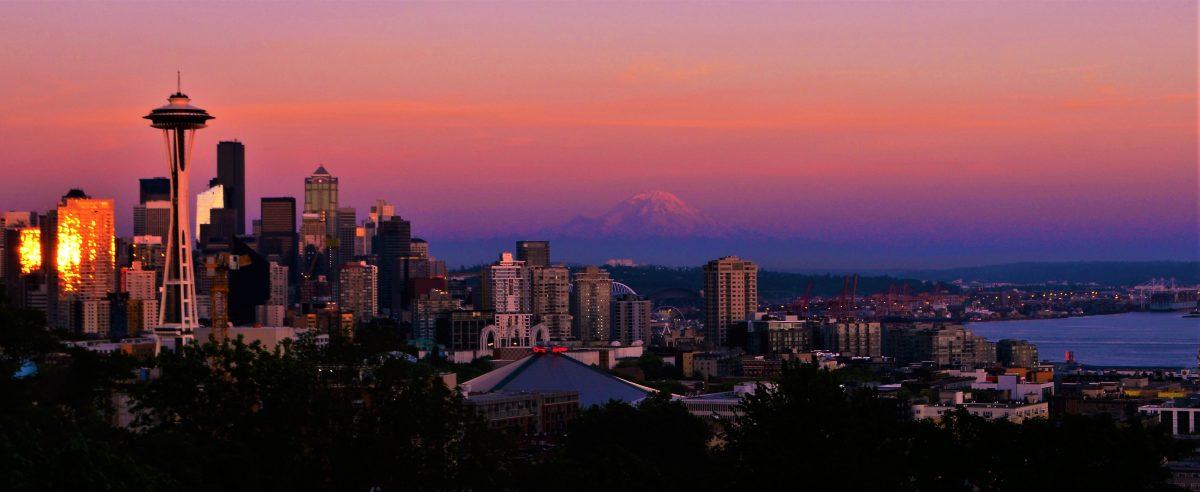 PhotoPOSTcard: Seattle Skyline at Sunset