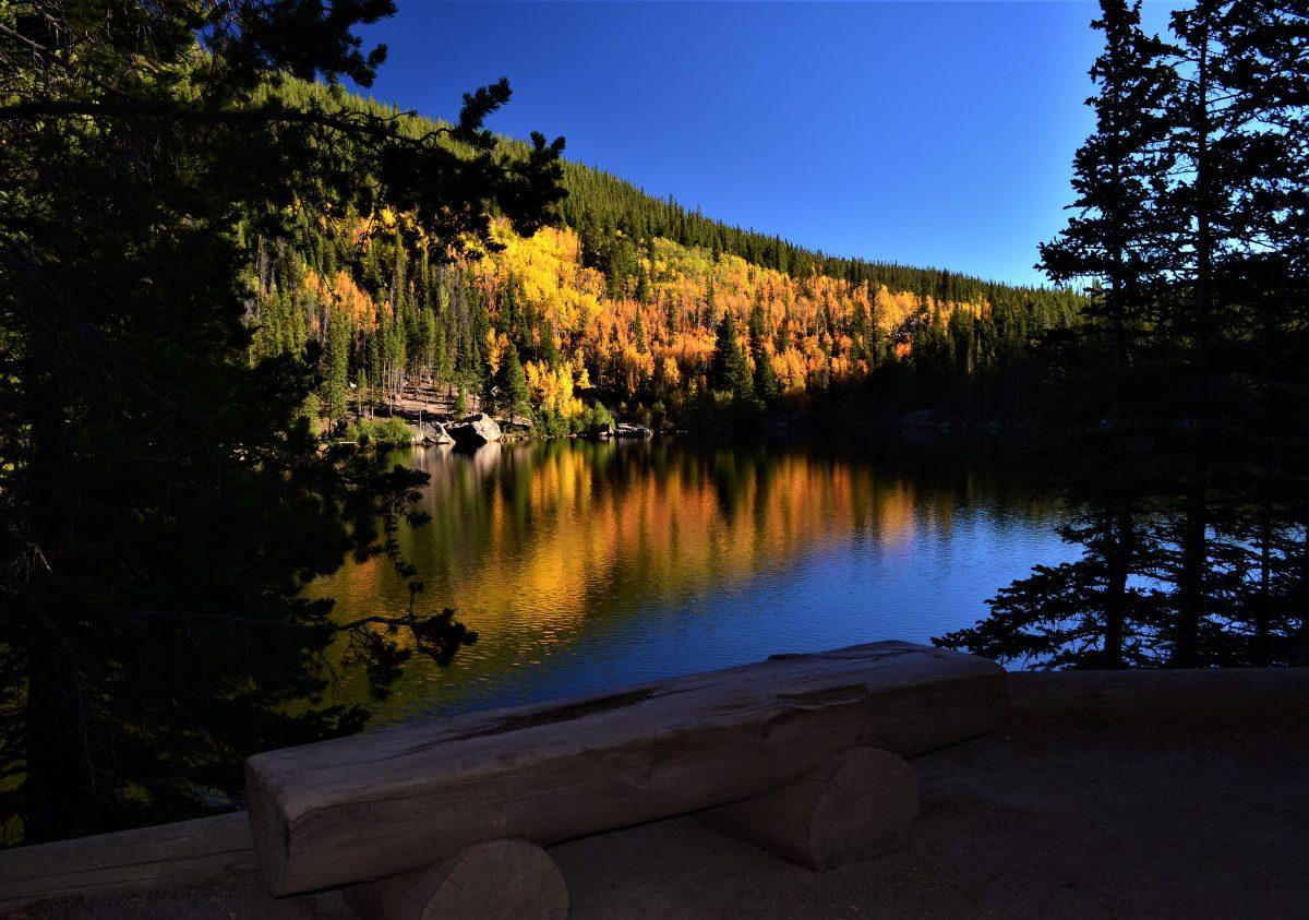 PhotoPOSTcard: Bear Lake in Rocky Mountain National Park