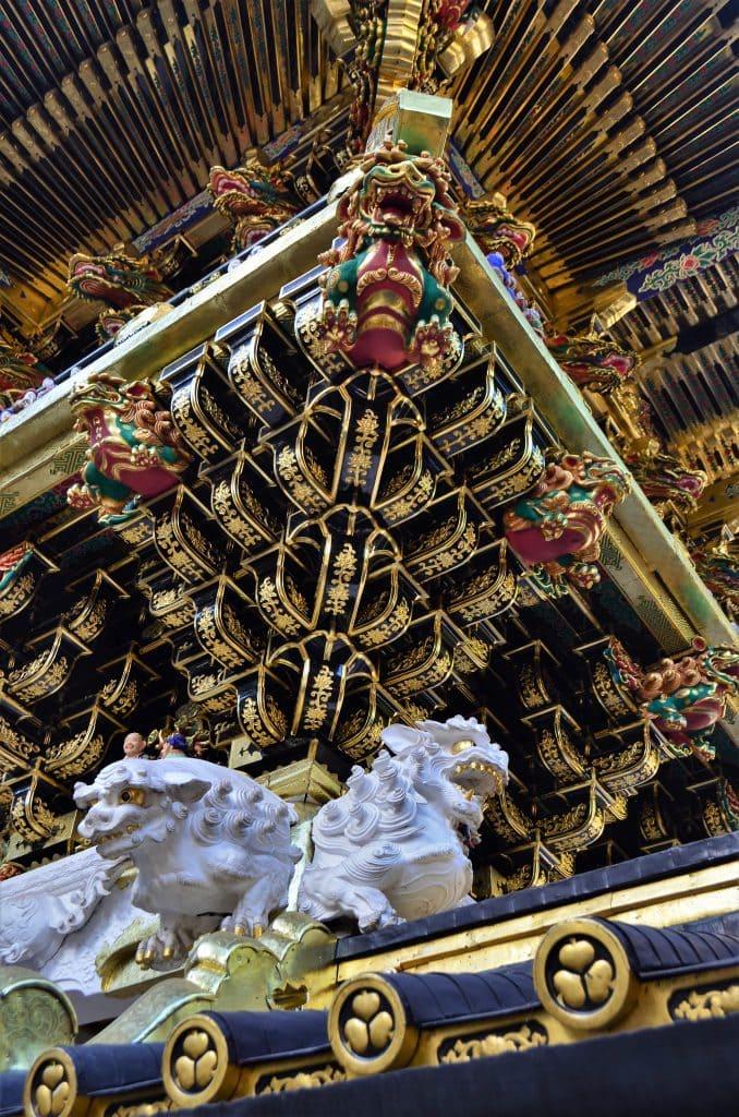 Toshogu Yomeimon gate detail