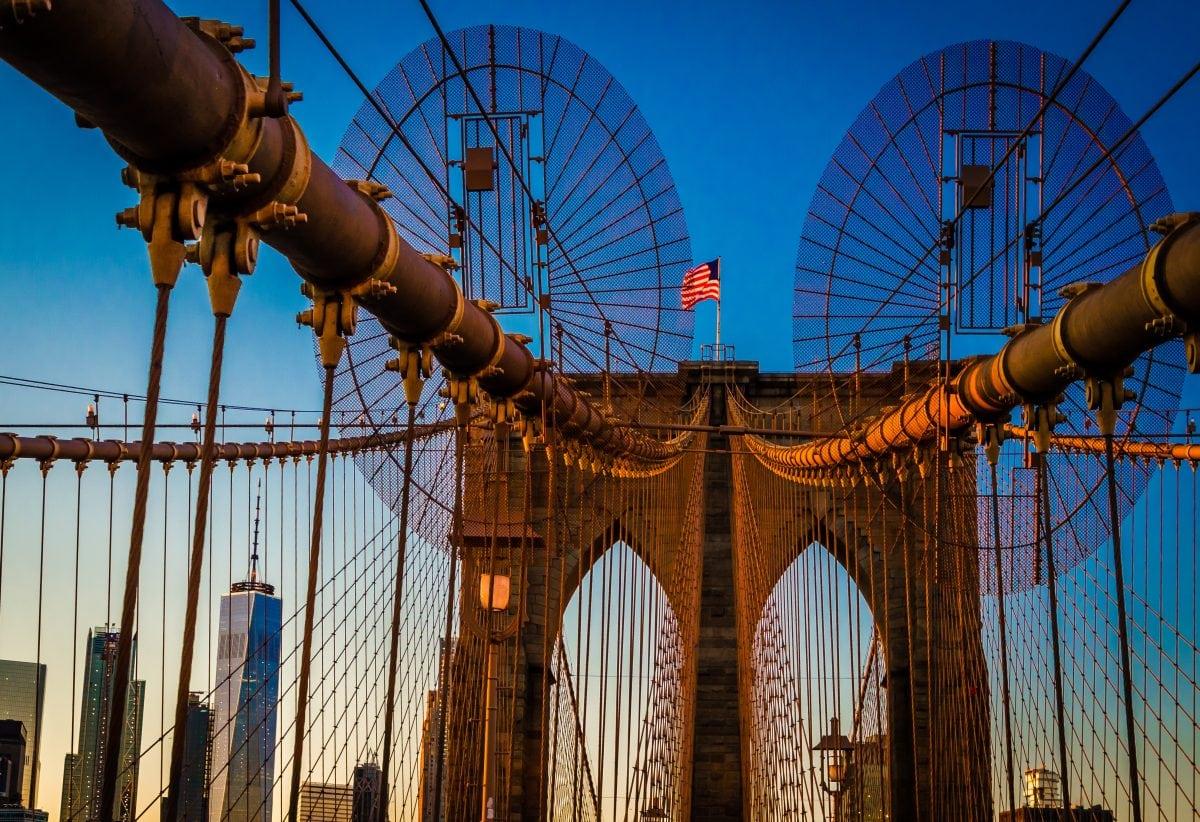 PhotoPOSTcard: Want to Buy the Brooklyn Bridge?