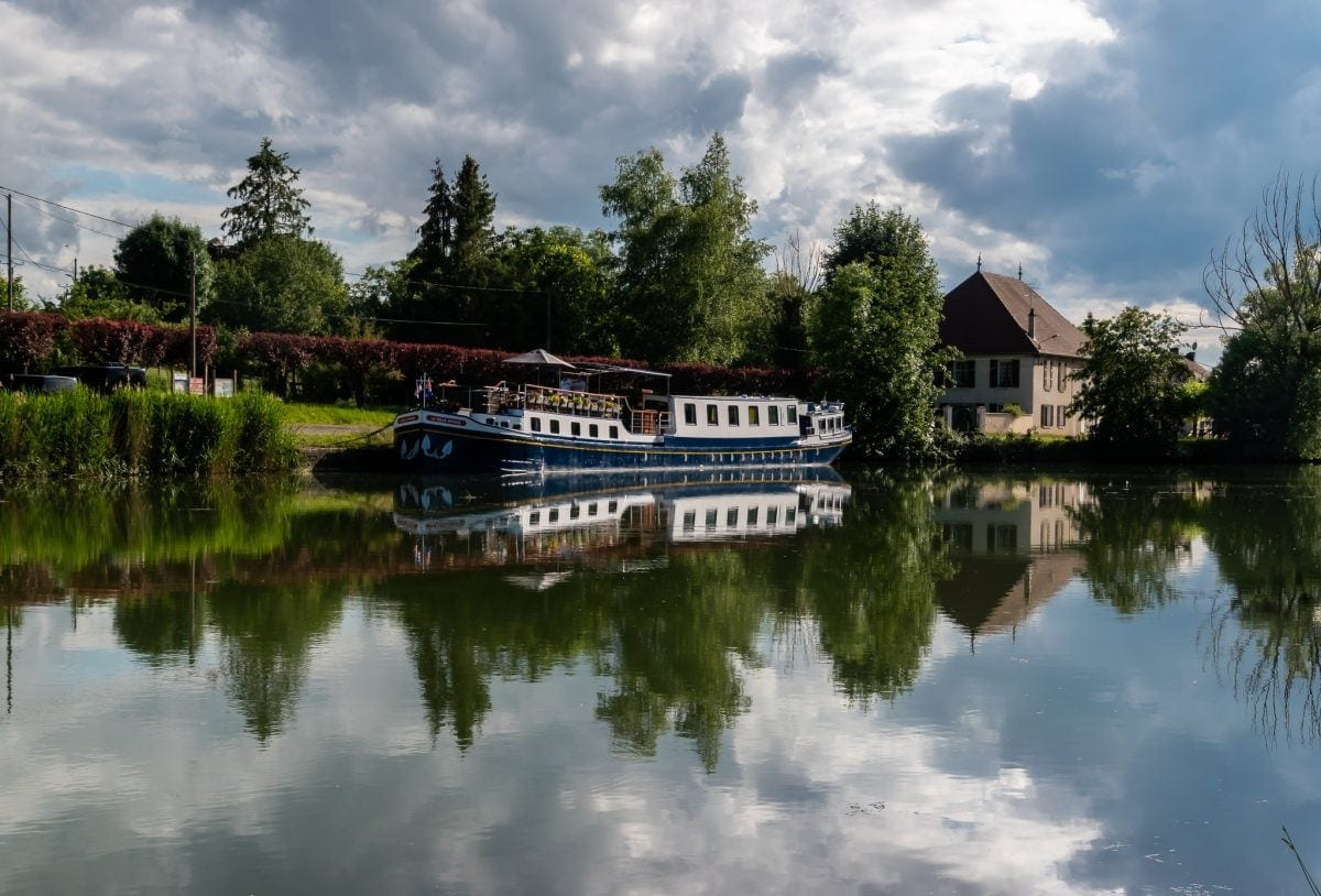 A LUXURY CANAL BARGE CRUISE