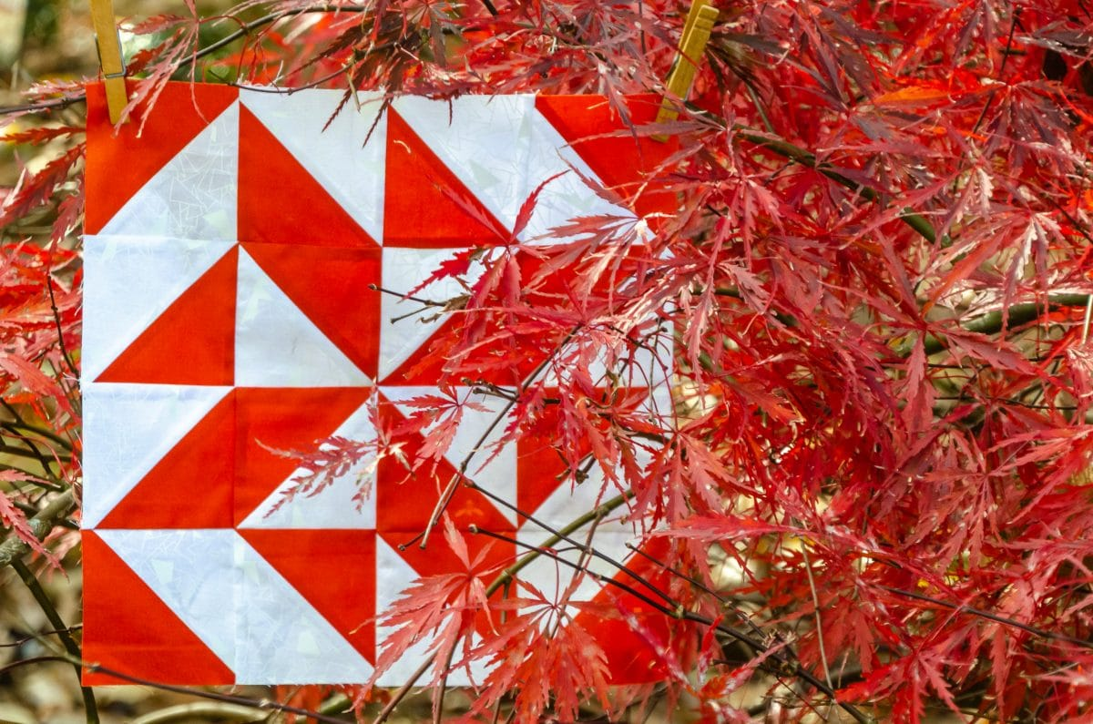 Triangle fourplay – An Easy Quilt Block of the Month – Block 6